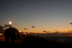 Strandpromenade bei Nacht